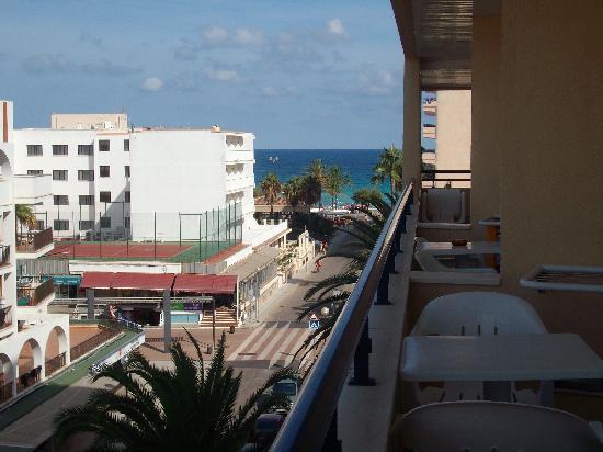 Hotel Girasol: Vue de la chambre