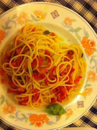 Antica Trattoria del Monsu': la prima. pasta with tomatoes and garlic