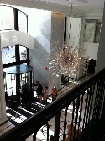 Waldorf Astoria Chicago: Elysian front lobby