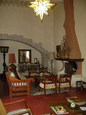 Hotel Los Arcos: Lobby