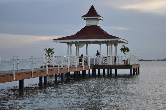 Grand Bahia Principe La Romana: Pergola en el mar