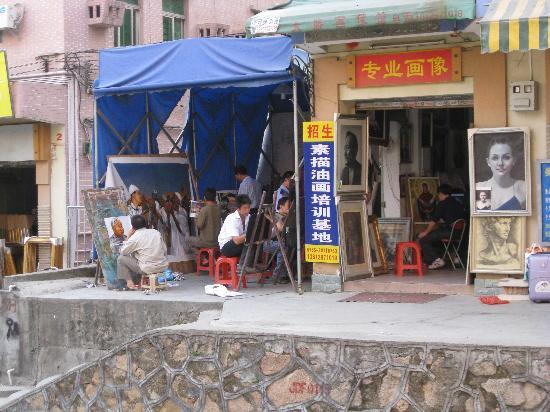 Dafen Oil Painting Village: Artist's Stalls