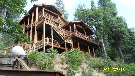 Yosemite West High Sierra Bed and Breakfast: Bed and Breakfast