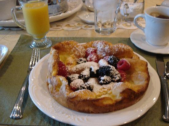 Allison House Inn: The Breakfast