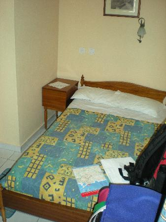Hotel Mirabello: 1 of the two beds (1 single & 1 double)