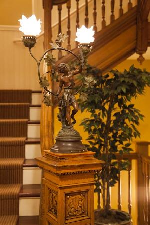 Hotel Providence: Old stairway...check this out