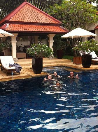 La Villa Rouge: Pool time in paradise!