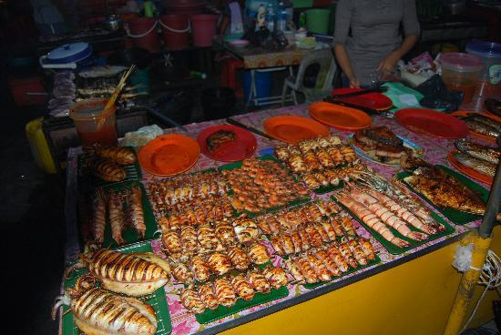 Sutera Harbour Resort (The Pacific Sutera & The Magellan Sutera): Deleicou seafood at the night markets Kota Kinabalu