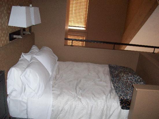 Executive Inn At Whistler Village: Bett