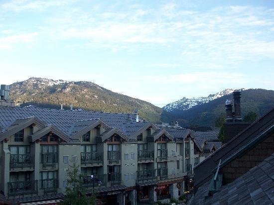Executive Inn At Whistler Village: Blick auf Berge im Sonnenaufgang