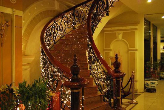 Le Duy Hotel: Hall d'entrée