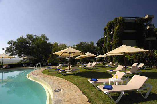 Sarova Taita Hills Game Lodge: Sarova Taita Hills Swimming Pool