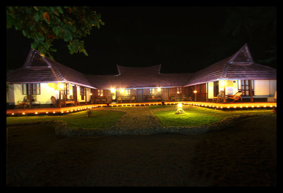 Emerald Isle - The Heritage Villa: Night view of Emerald Isle