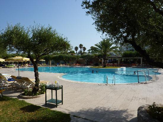 Alex Beach Hotel: Piscine principale