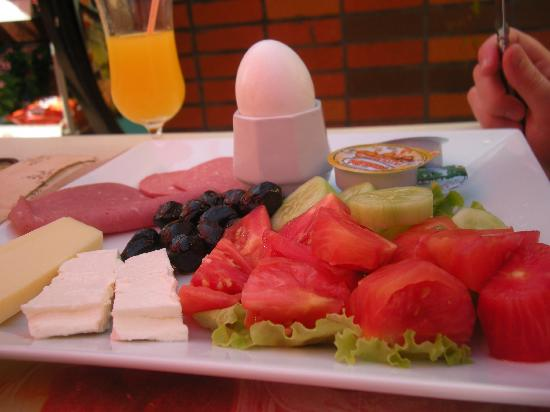 Blue Palace Apartments: Turkish Breakfast (5,00 lira)