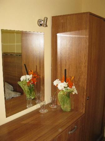 Hotel Green Palace: Mirror