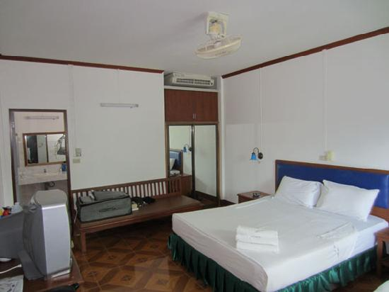 Bay Beach Resort: room