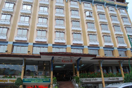 TTC Hotel Premium - Dalat: Façade de l'hôtel
