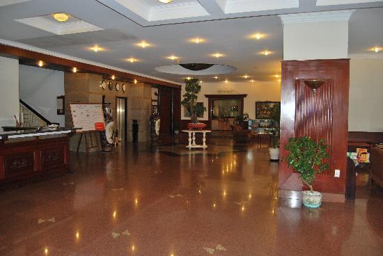 TTC Hotel Premium - Dalat: Hall d'entrée