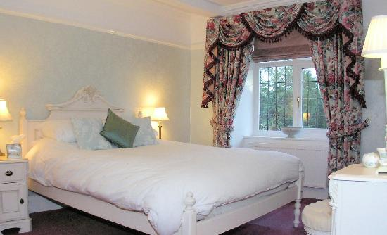 Old Stoney Bank Guest House : Bed & Breakfast room with sole use of main bathroom