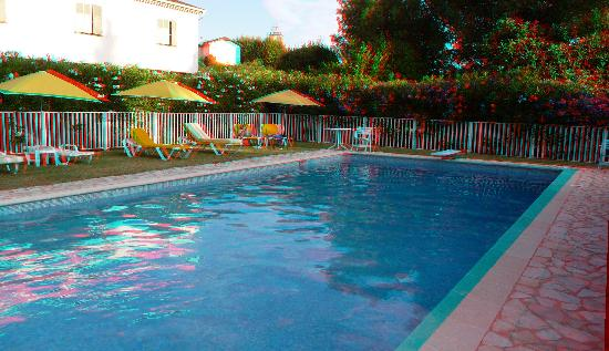 Hotel du Bosquet: La piscine...