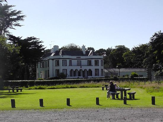 Ballymena, UK: Glenmona House and Picnic Area