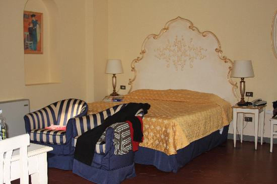Residence Michelangiolo: Our Bedroom