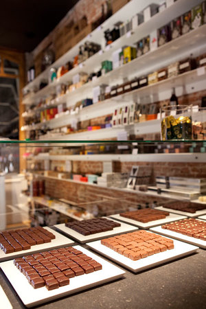 VanderDonk Chocolate: Product wall VANDERDONK Fine Chocolates