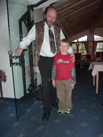 Hotel Karl Schranz: Felix und der Oberkellner