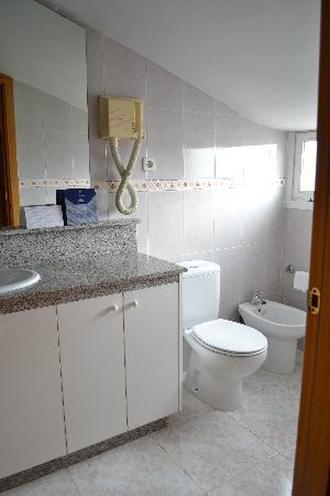 Park Sedo Benstar Hotel Group: Badkamer met bad (niet zichtbaar op de foto)