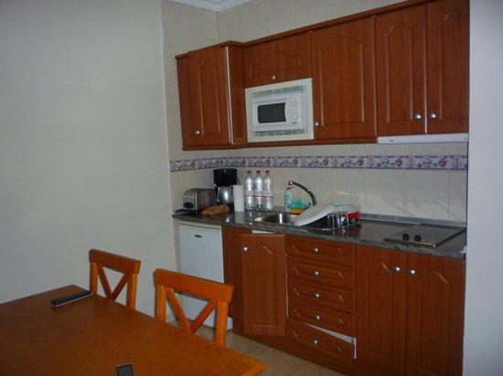 Rubimar Suite ApartHotel: Cocina
