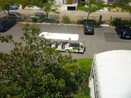 Campomarino, Italy: Servizo navetta-Vista davanti a l'Hotel