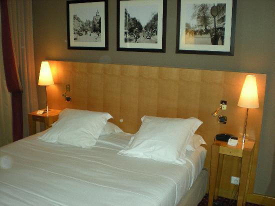 Hotel Royal Saint Michel: Cama matrimonial