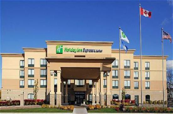 Holiday Inn Express Hotel & Suites Belleville: main enterance