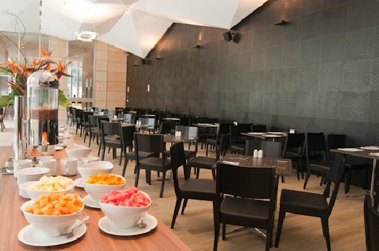 Atton San Isidro: Buffet Breakfast