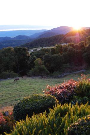 Artisan Spa Views Bed & Breakfast: Amazing 'Sunset'