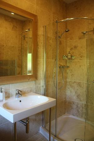 Trustwood Bed and Breakfast: Bathroom