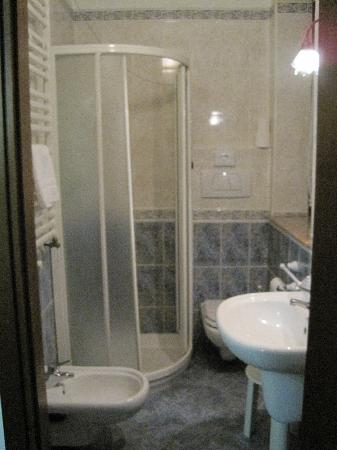 Hotel La Nuvola: bagno