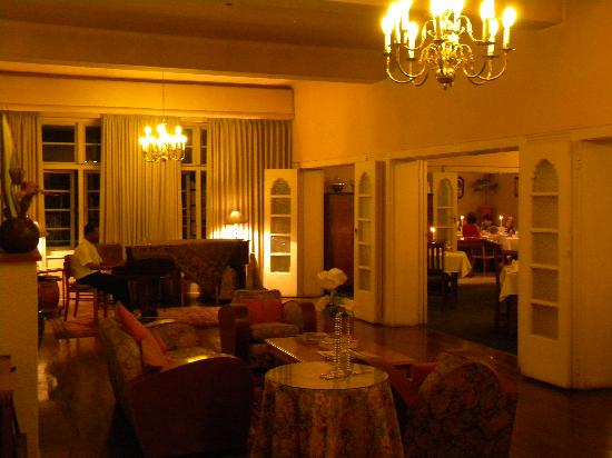 Dining Room @ Montagu Country Hotel: Dining room-The Wild Apricot