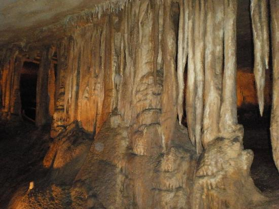 Marengo Cave: This looks like a curtain.
