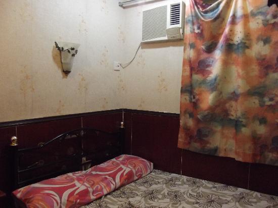 Oriental Pearl Hostel Hong Kong: Clean