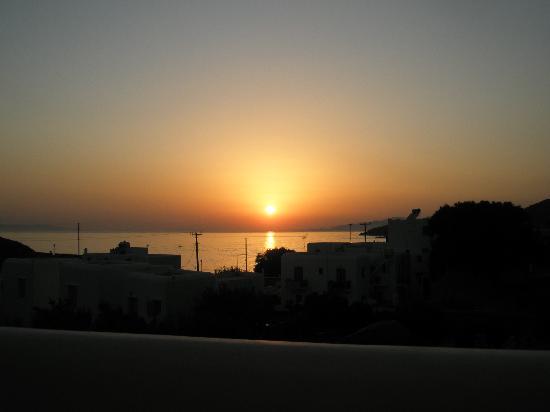 Tagoo Studios: Camera con vista sul tramonto