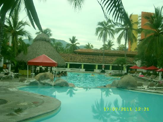 Plaza Pelicanos Grand Beach Resort: Alberca en el Hotel