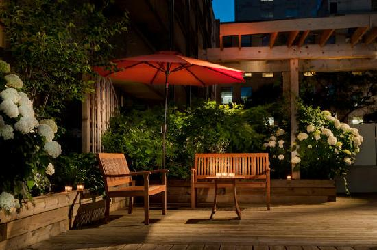 Holiday Inn Toronto Downtown Centre: Our Outdoor Patio