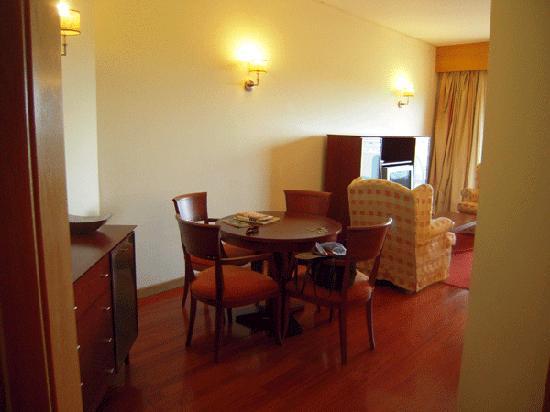 Solplay Hotel de Apartamentos: The entrance to our dining/living room.