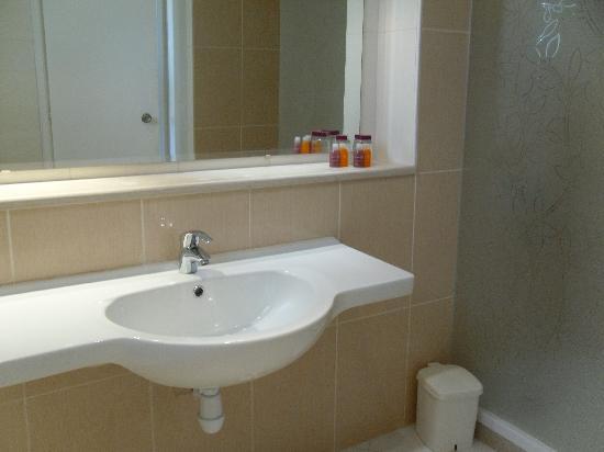 Seabel Aladin Djerba: salle de bain