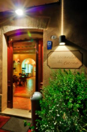 La Locanda Di Cetona: Il fascino di un soggiorno in una locanda di charme, nel centro storico di uno dei Borghi più be