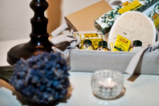 La Locanda Di Cetona: Una coccola per i nostri ospiti , il kit 100% biologico a base di olio d'oliva