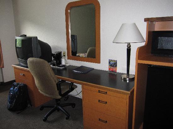 Sleep Inn & Suites: Desk