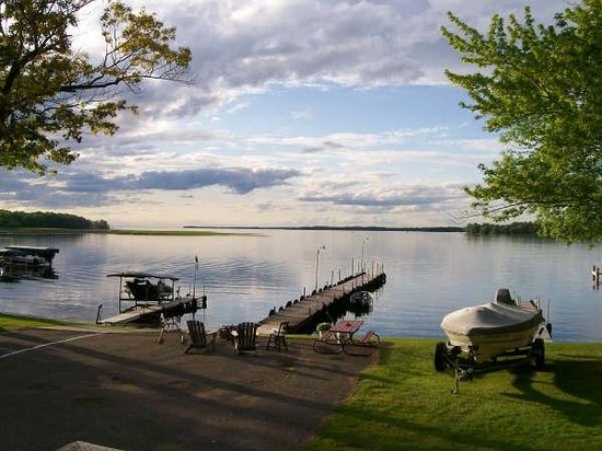 Chapman's Mille Lacs Resort & Guide Service: View of Isle Bay on Mille Lacs Lake